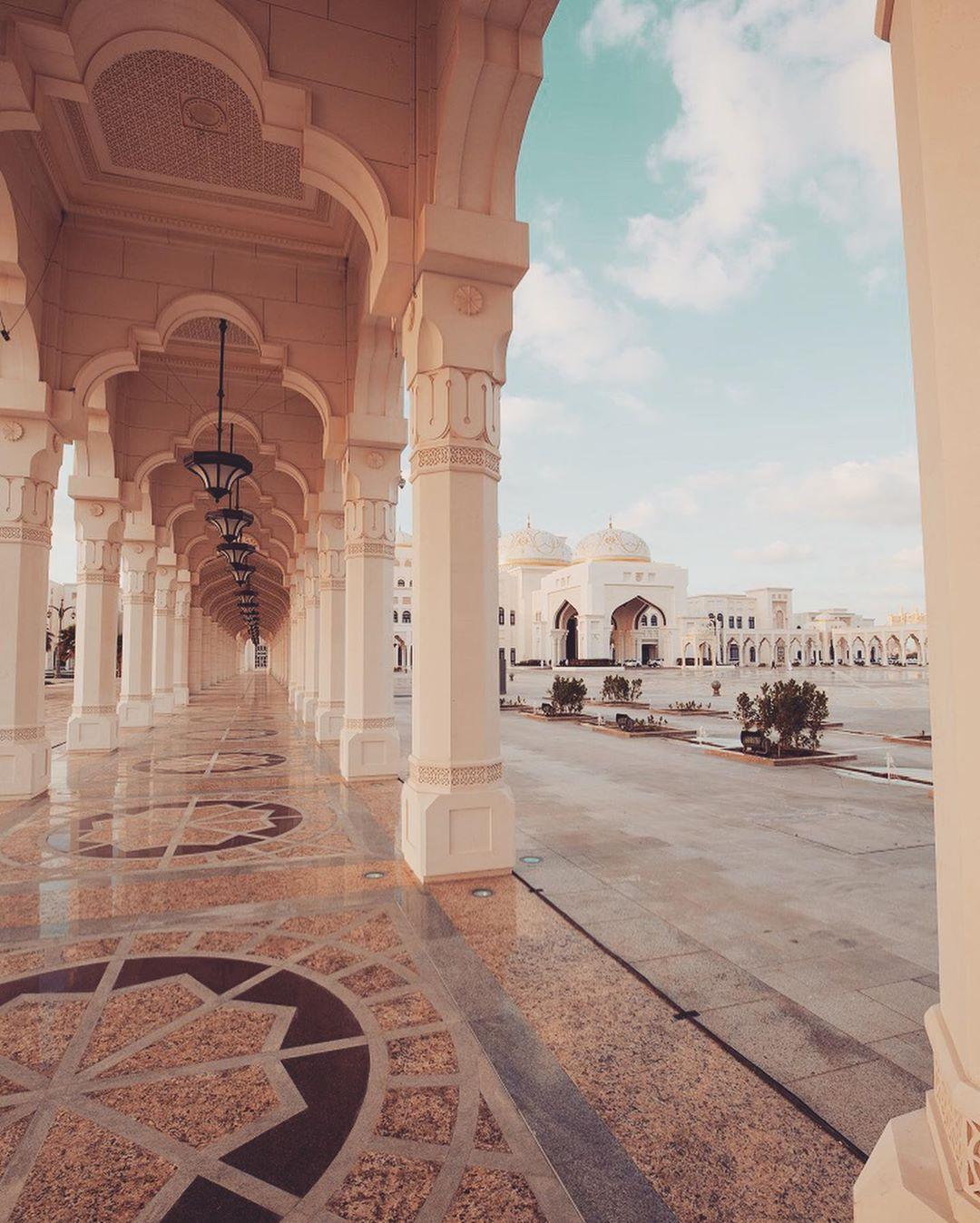 Qsar Al Watan Abu Dhabi Rosi Ross